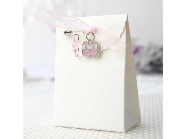Confezione regalo con scarpette e croce rosa